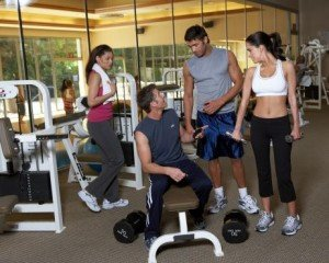 303-group-talking-in-gym